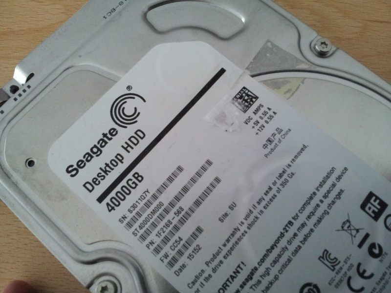 The image shows a Seagate 4TB HDD that came from Mac, and used HFS filesystem. The disk label shows Desktop HDD with 4000GB.