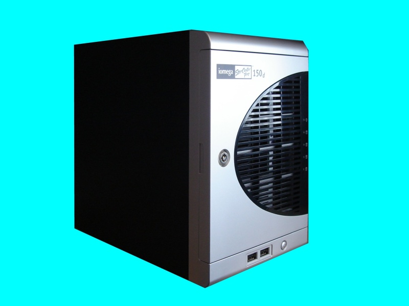 A Storcenter Pro 150d which had problems with the shared folder. Network access had been denied by the Iomega NAS box and lost its windows share folders before arriving with us for data recovery.